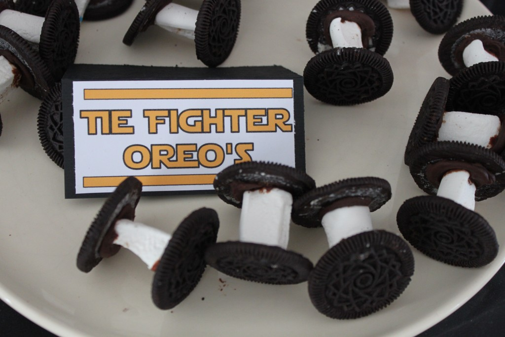 Tie fighter oreo's