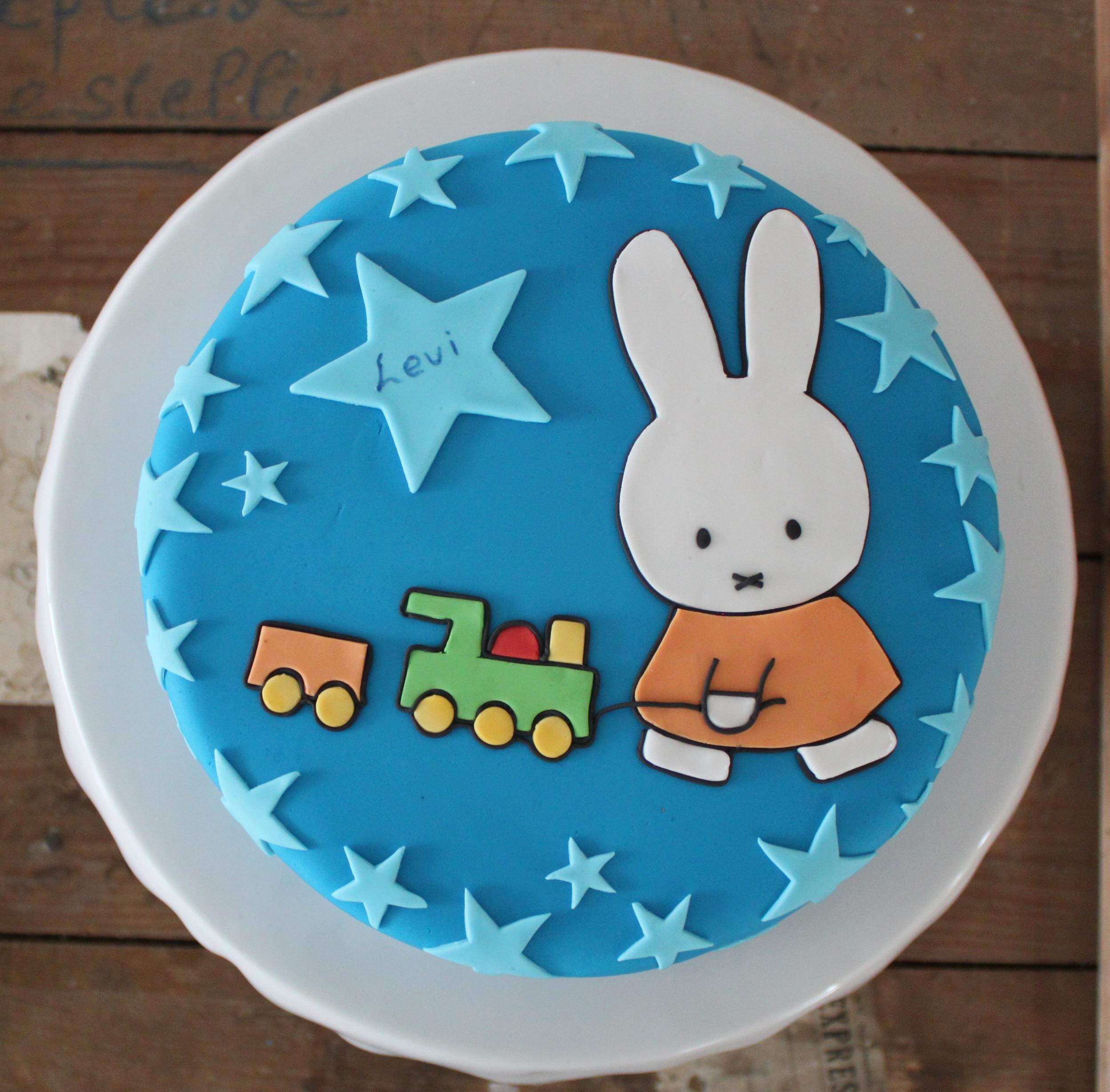 nijntje taart maken Je silhouette gebruiken voor taart – puzzelplaatjes – CreatiefDuo nijntje taart maken